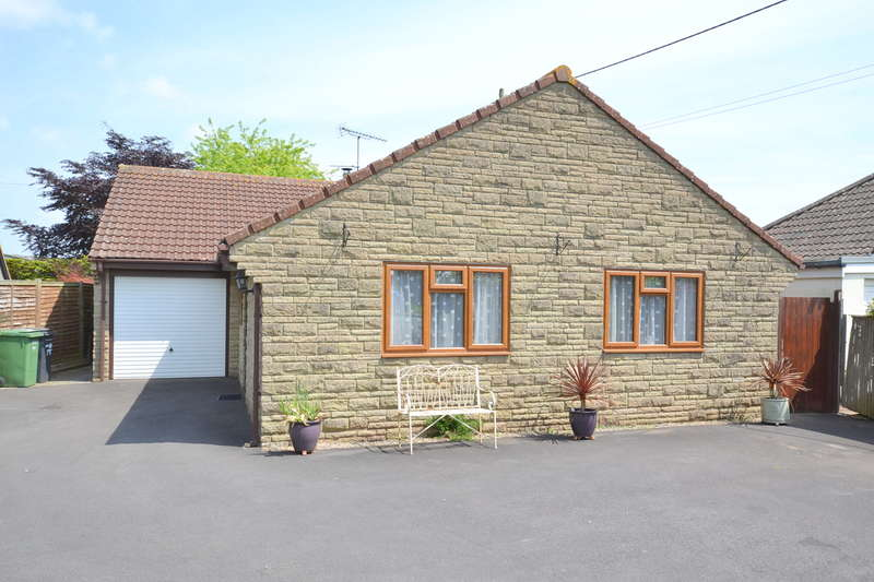 3 Bedrooms Detached Bungalow for sale in Templecombe, Somerset, BA8