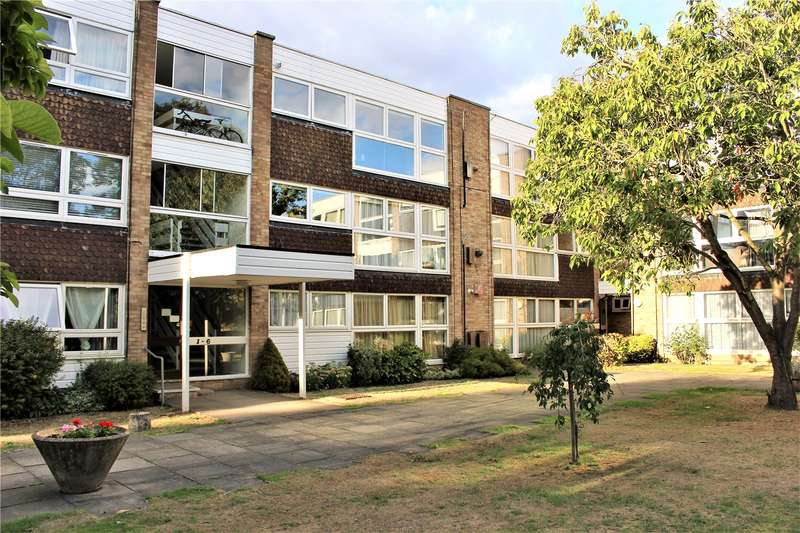2 Bedrooms Flat for sale in Foxgrove Southgate London