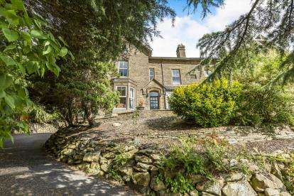 7 Bedrooms Semi Detached House for sale in Whalley Rd, Wilpshire, Blackburn, Lancashire