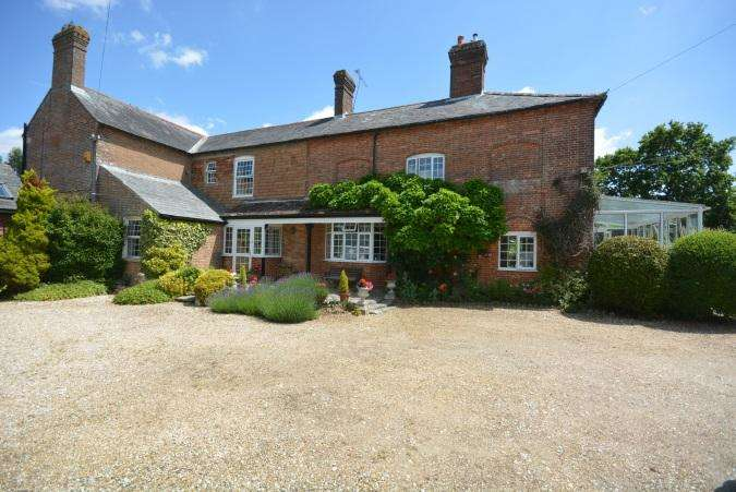 4 Bedrooms Link Detached House for sale in CANFORD MAGNA