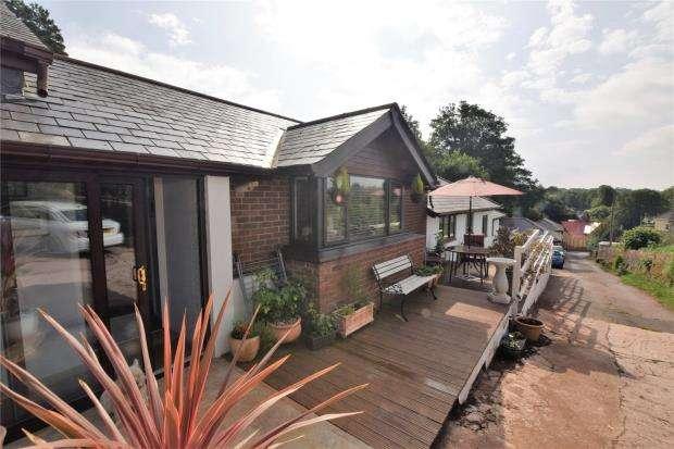 3 Bedrooms Detached Bungalow for sale in Waterleat Road, Paignton, Devon