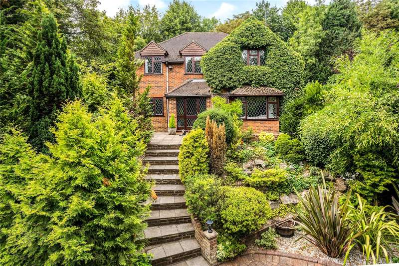 5 Bedrooms Detached House for sale in Lucas Road, High Wycombe, Buckinghamshire, HP13