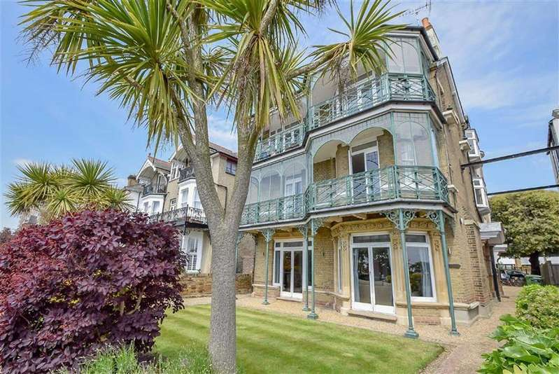 2 Bedrooms Flat for sale in 33 Clifftown Parade, Southend-on-sea, Essex
