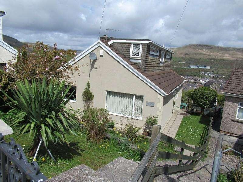 3 Bedrooms Detached House for sale in Pen Yr Ysgol , Maesteg, Bridgend. CF34 9NS