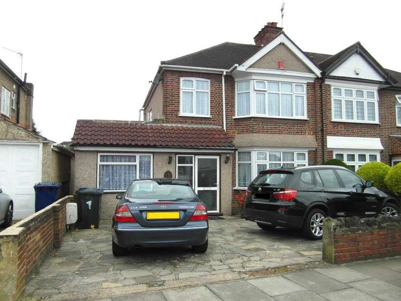4 Bedrooms Semi Detached House for sale in Sherborne Avenue, Norwood Green, Southall UB2