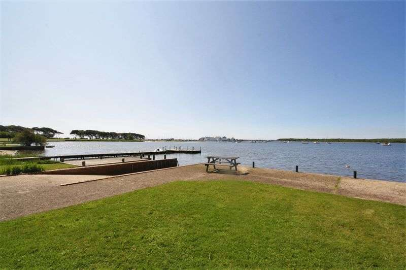 3 Bedrooms Property for sale in 101 Mudeford, Christchurch