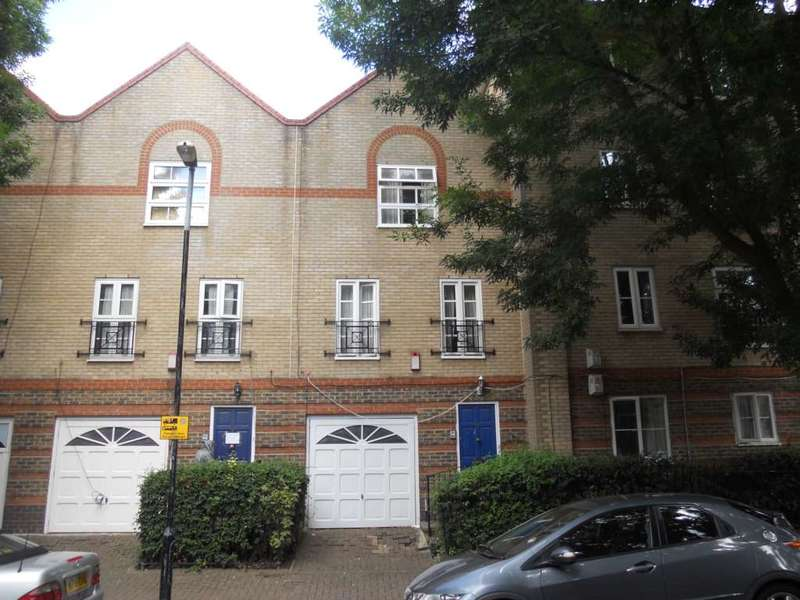 3 Bedrooms Town House for sale in Viscount Drive, Beckton