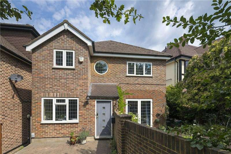 4 Bedrooms Detached House for sale in Blenheim Road, Raynes Park, SW20