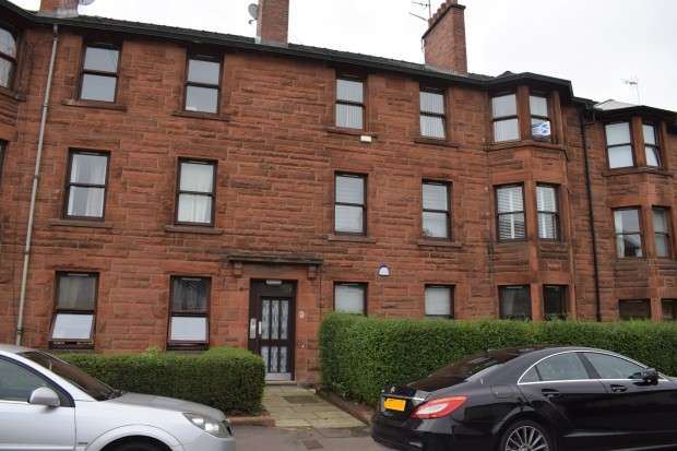3 Bedrooms Flat for sale in Flat 2/1 Barlogan Ave, Craigton, G52