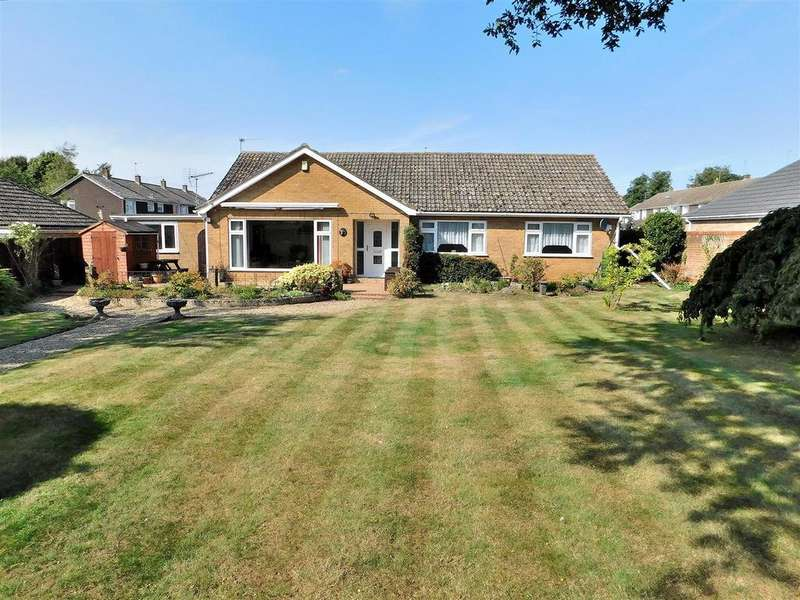 3 Bedrooms Detached Bungalow for sale in Haspalls Road, Swaffham