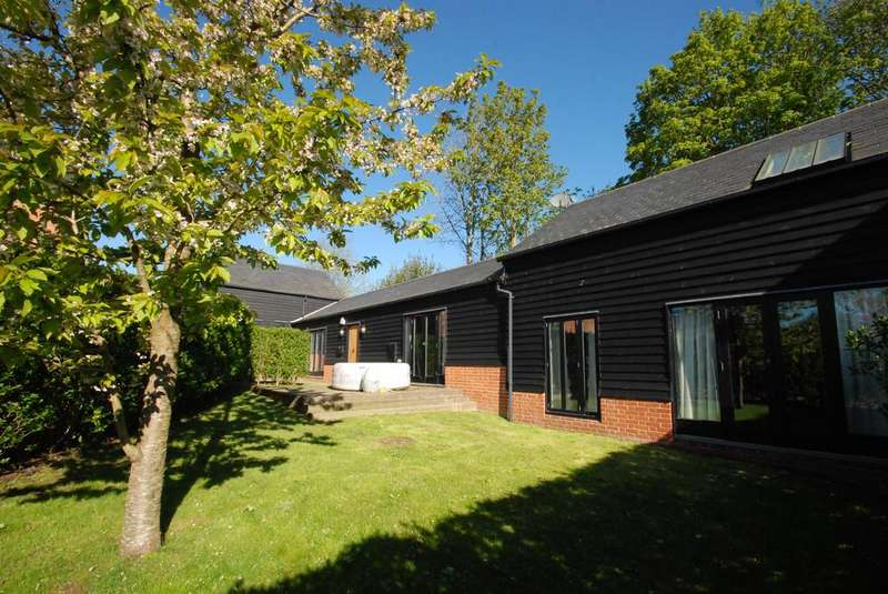 4 Bedrooms Detached House for sale in Chipping, Buntingford
