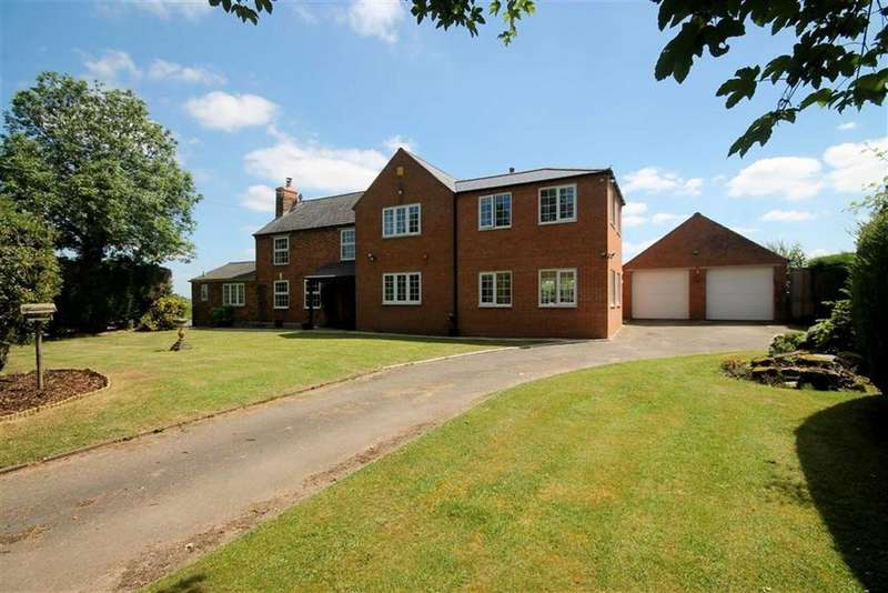 4 Bedrooms Detached House for sale in Staunton, Gloucester