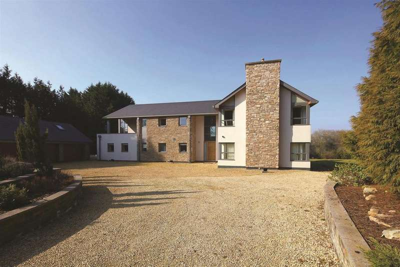 6 Bedrooms Detached House for sale in Druidstone Road, Old St. Mellons, Cardiff