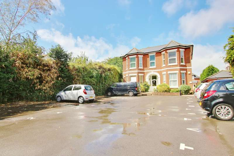 1 Bedroom Flat for sale in St Mary's Road, Netley Abbey
