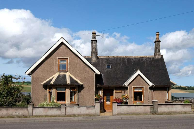 3 Bedrooms Detached House for sale in West End Cottage, Regent Street, Keith, Moray, AB55
