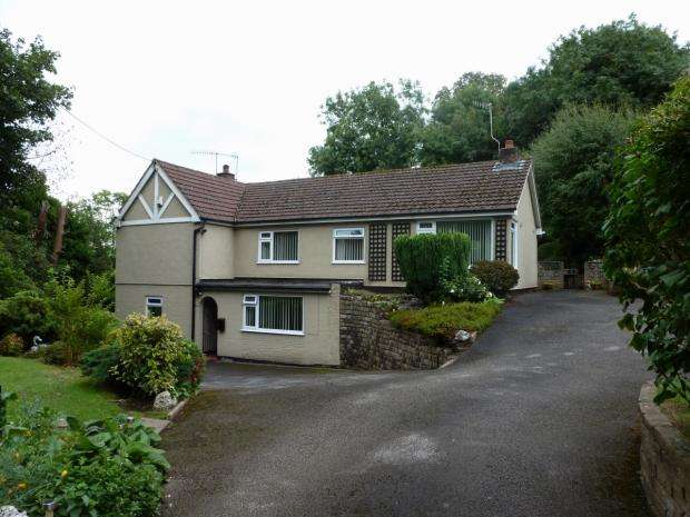 4 Bedrooms Detached House for sale in Chase Lane Tittensor Stone