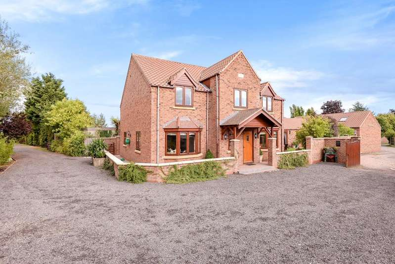 4 Bedrooms Detached House for sale in Walkeringham, SOUTH YORKSHIRE