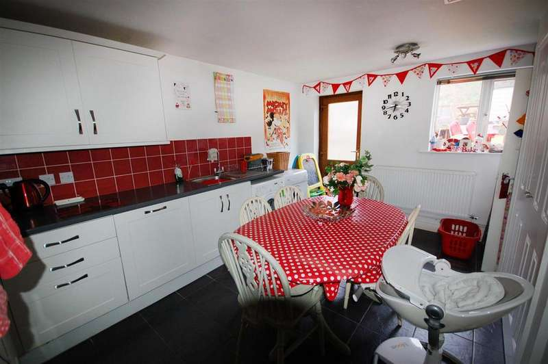 3 Bedrooms Terraced House for sale in Bridgeside, Cainscross, Stroud
