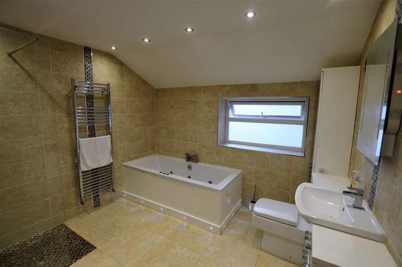 3 Bedrooms Semi Detached House for sale in Bishop Road, Ammanford