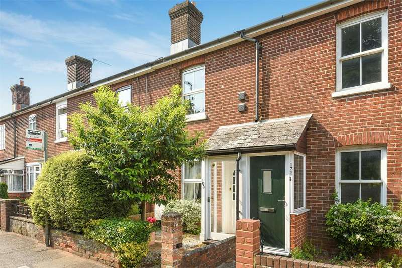 2 Bedrooms Terraced House for sale in Alresford Road, Winchester, Hampshire, SO23