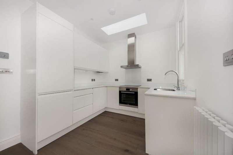 Studio Flat for sale in Birch Grove, London