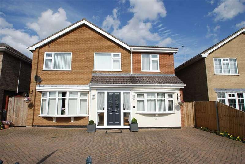 5 Bedrooms Detached House for sale in Sentance Crescent, Kirton