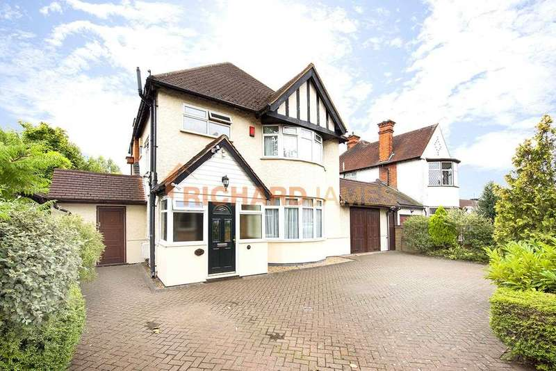 3 Bedrooms Detached House for sale in Lyndhurst Avenue, Mill Hill