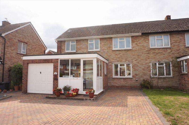 3 Bedrooms Semi Detached House for sale in Newbury