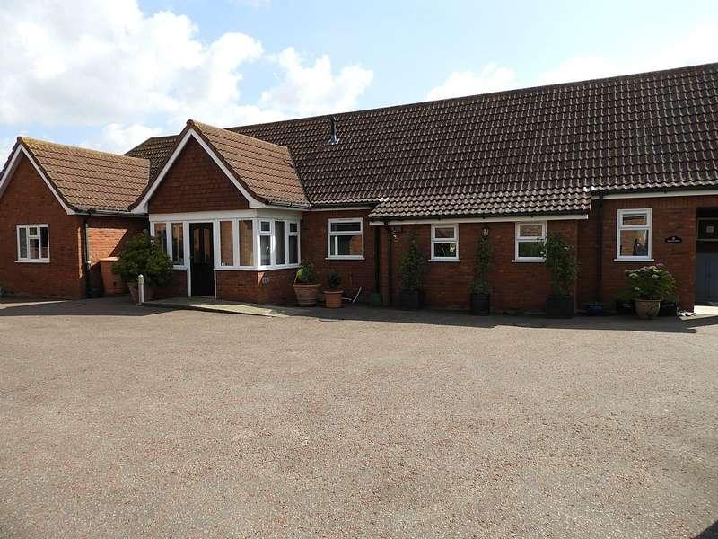 4 Bedrooms Detached Bungalow for sale in Mount Pleasant, Framlingham, WOODBRIDGE, Suffolk, IP13 9HJ
