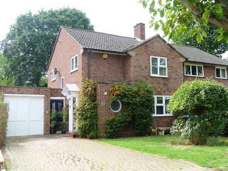 3 Bedrooms Semi Detached House for sale in Woodland Rise, West Side, Welwyn Garden City