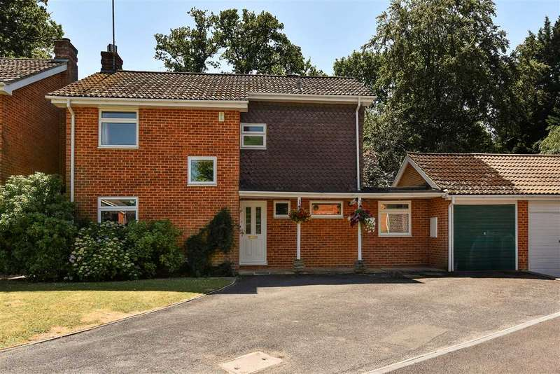 4 Bedrooms Detached House for sale in Wood End, Crowthorne