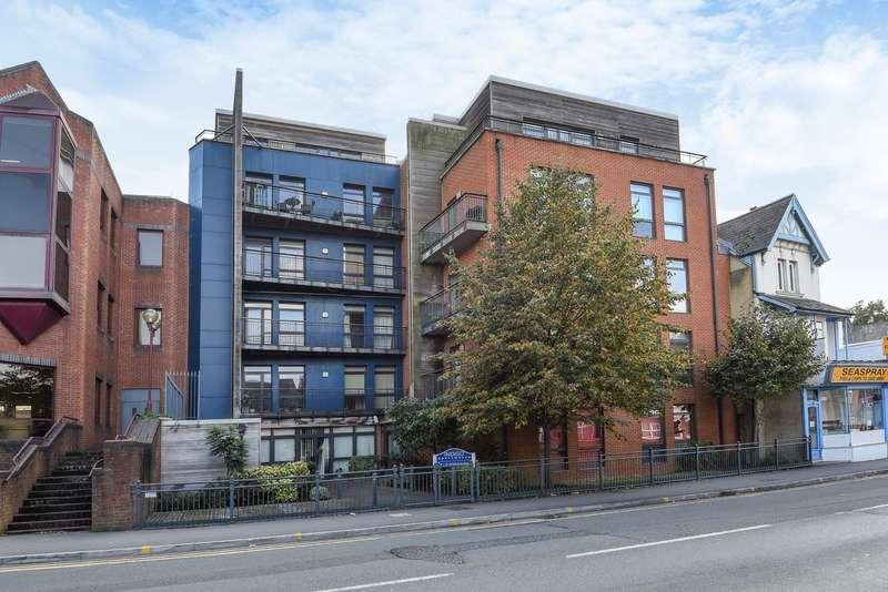 2 Bedrooms Flat for sale in Crown Street, Reading, RG1