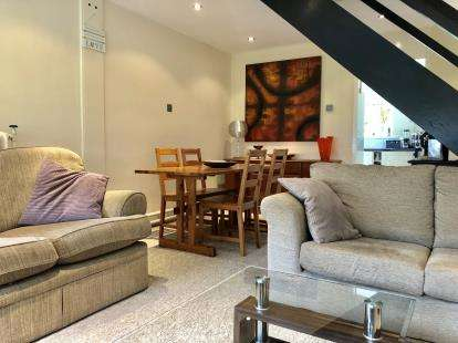 2 Bedrooms Flat for sale in Whartons, Callington Road, Bristol