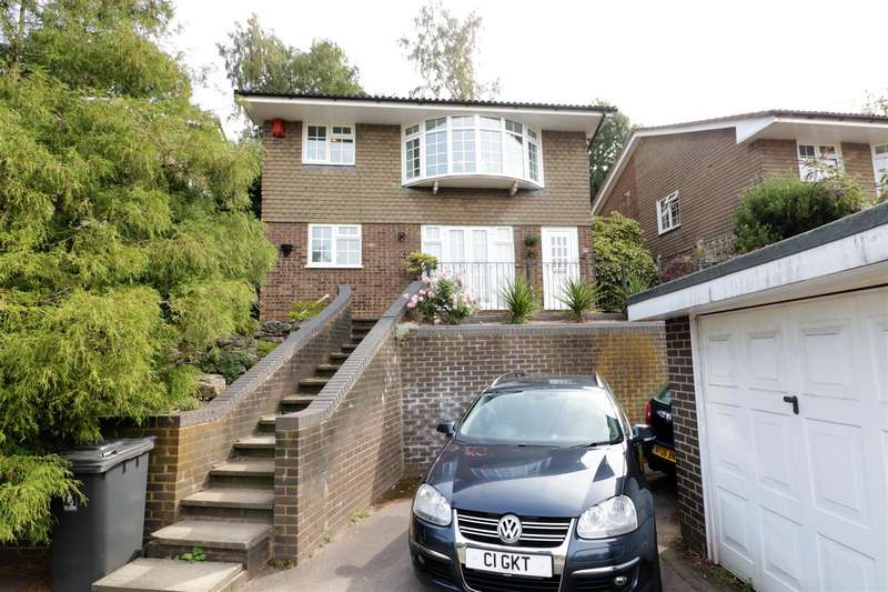3 Bedrooms Detached House for sale in Lower Elmstone Drive, Tilehurst, Reading