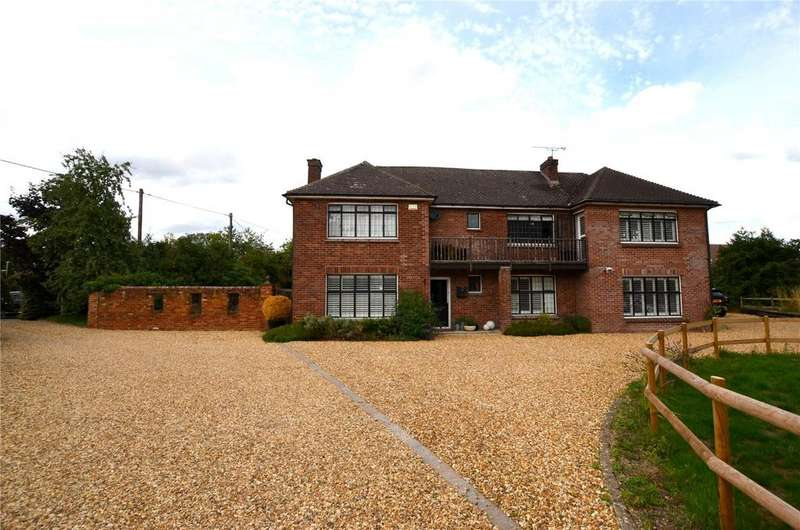 4 Bedrooms Detached House for sale in St. Johns Close, Pewsey, Wiltshire, SN9
