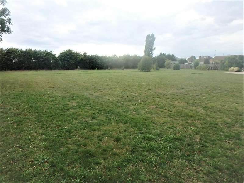 Land Commercial for sale in Building Land - Quadring