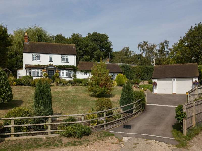 3 Bedrooms Detached House for sale in Knowl Hill Common, Maidenhead