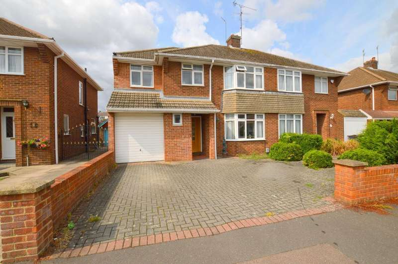 4 Bedrooms Semi Detached House for sale in Fallowfield, Luton, LU3 1UL