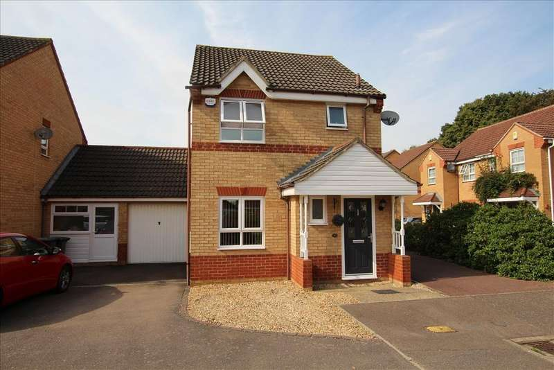 3 Bedrooms Detached House for sale in Wingfield Drive, Potton, SG19