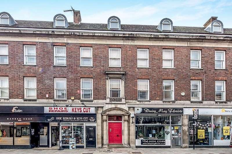 2 Bedrooms Flat for sale in Mill Street, Bedford, MK40