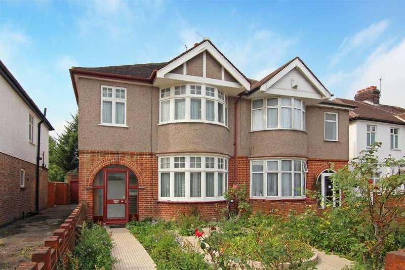 3 Bedrooms House for sale in Old Oak Road, Acton