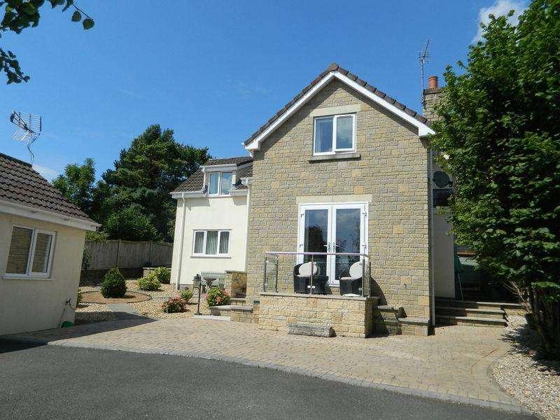 4 Bedrooms Detached House for sale in BLEADON VILLAGE