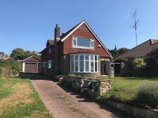 4 Bedrooms Detached House for sale in Seaview Road, Denton, Newhaven, East Sussex