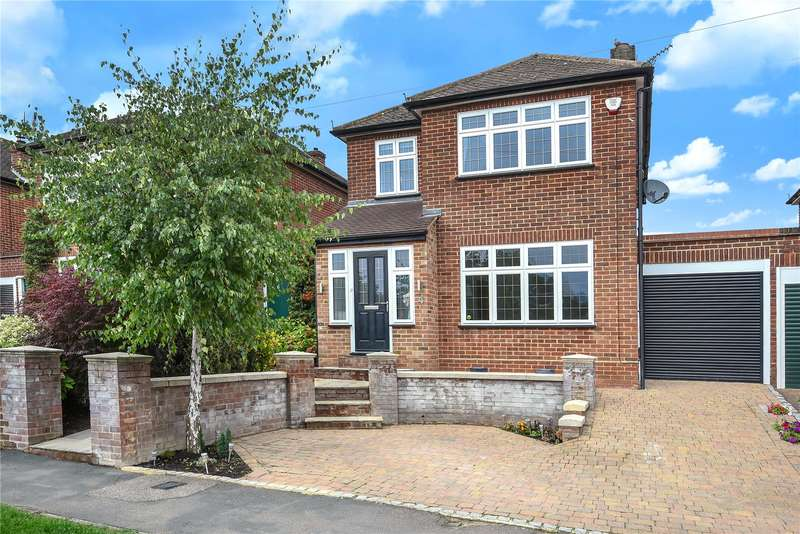 3 Bedrooms Detached House for sale in Lewes Way, Croxley Green, Rickmansworth, Hertfordshire, WD3
