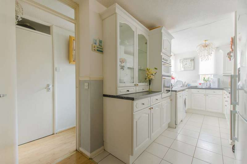 2 Bedrooms House for sale in Barset Road, Nunhead, SE15