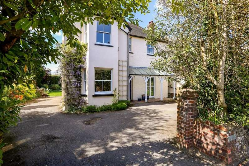 5 Bedrooms Detached House for sale in Hill Brow, Hampshire