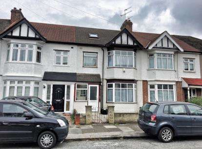 4 Bedrooms Terraced House for sale in Chadwell Heath, Essex, United Kingdom