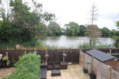 4 Bedrooms Terraced House for sale in Blue Cedar Close, Yate, Bristol, Gloucestershire