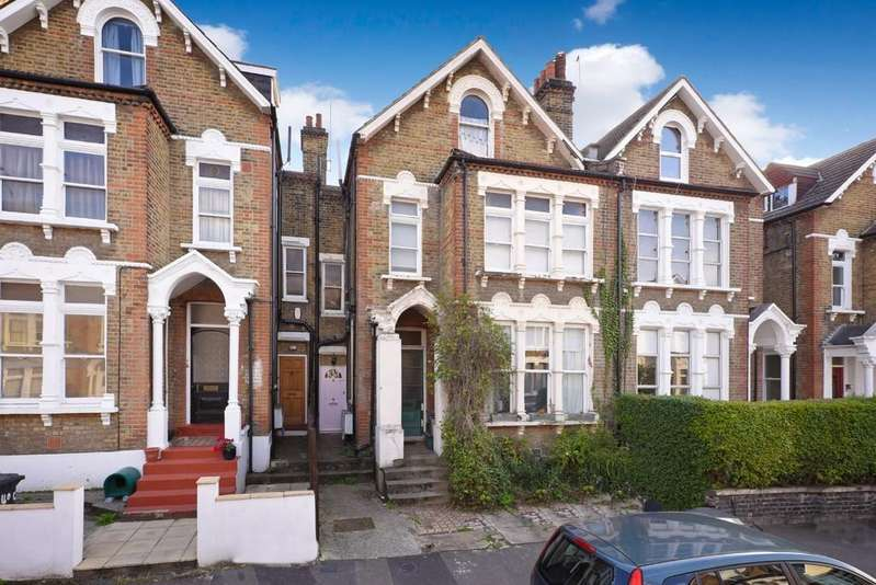 2 Bedrooms Flat for sale in Halesworth Road SE13