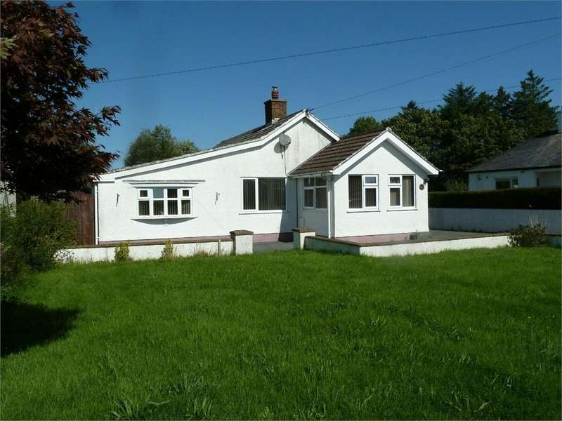 2 Bedrooms Detached Bungalow for sale in Silver Birch, Boncath, Pembrokeshire